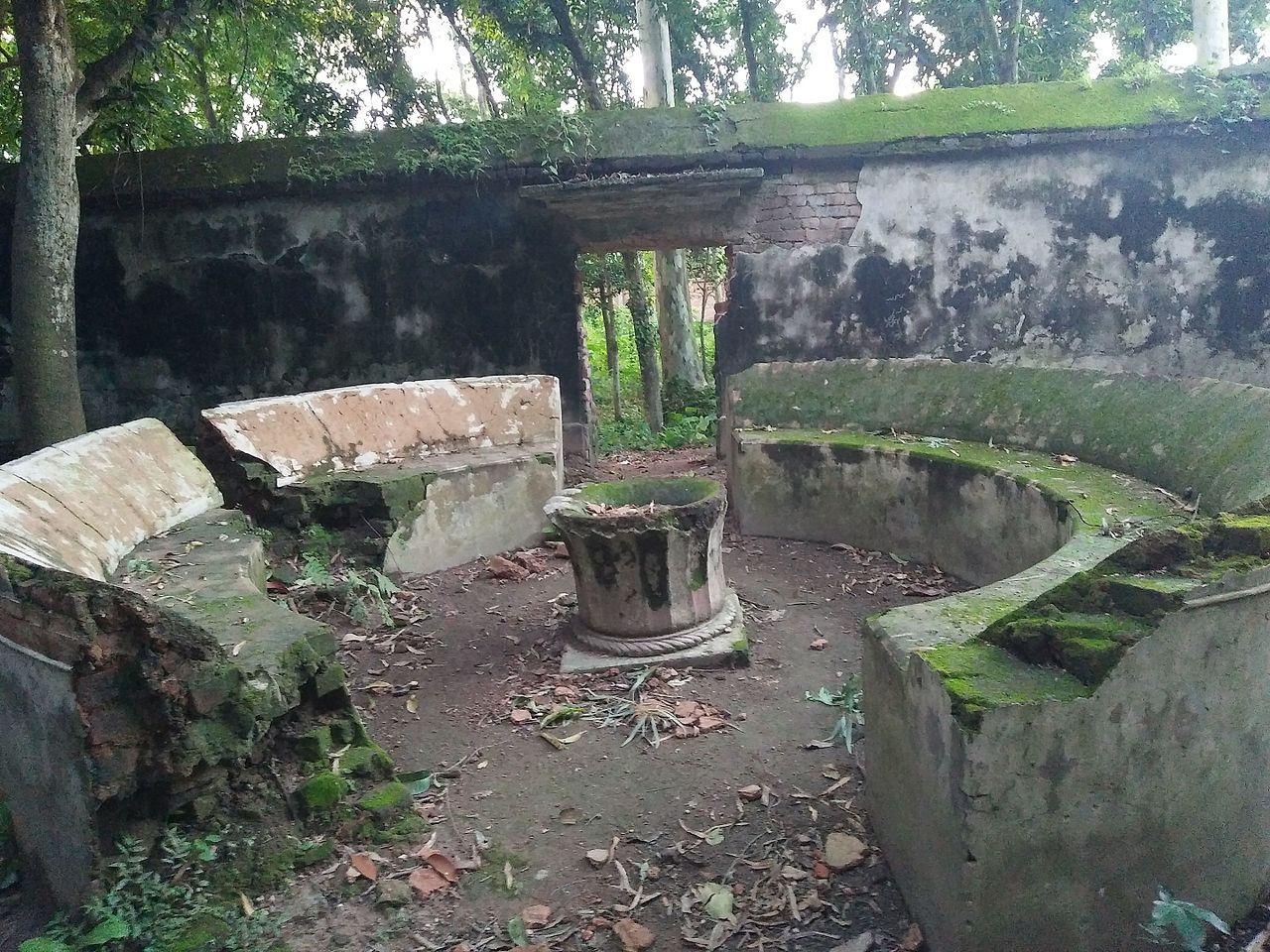 Bangladeš 1280px-Balihar_Rajbari_04