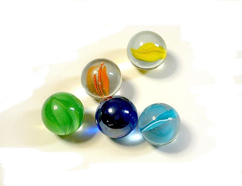 Imagen:Balls of glass.jpg