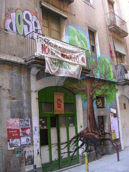 File:Barcelona okupa Ruina Amalia.jpg