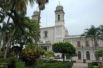 Municipalities of Colima - Image: Basílica Menor de Colima
