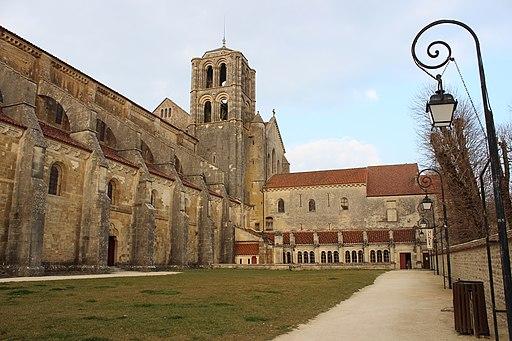 Basilique Ste Madeleine coté sud