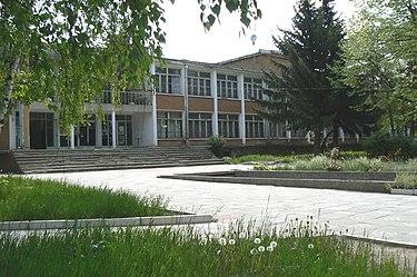 Batanovtsi-library.jpg