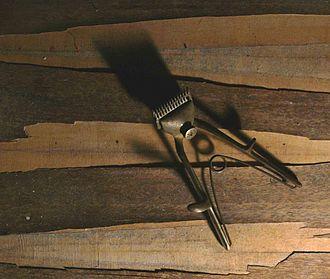 Hair clipper - A manual beard clipper