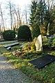 Begraafplaats Staverden (30865987121).jpg