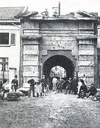 Berger Tor in Düsseldorf erbaut im Jahre 1620, Abbruch 1895.jpg