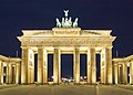 Berlin Brandenburger Tor Nacht.jpg
