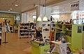 Biblioteket i Solna centrum från insidan barn- och ungdomsavdelningen.jpg
