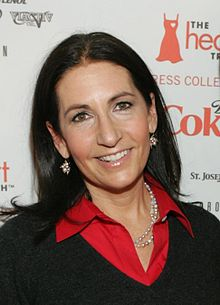Bobbi Brown at 2009 Heart Truth fashion show.jpg