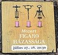 Boden-Plakette Werbung für Mozarts Figaro (Szentendre).jpg