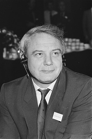 Struggle against political abuse of psychiatry in the Soviet Union - Vladimir Bukovsky (b. 1942), a British neurophysiologist, Soviet human rights activist, political prisoner at the Sakharov Congress in Amsterdam on 21 May 1987