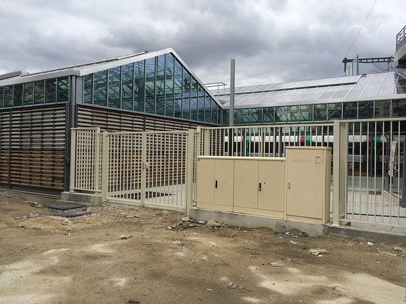 Vue de la Gare du Bourget du T11 express en fin de travaux de construction