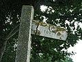 Broken Footpath Sign (geograph 4651300).jpg