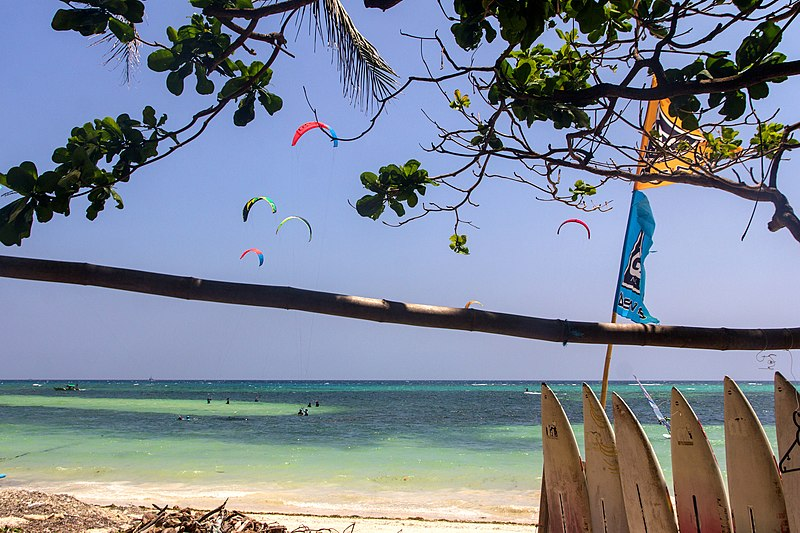 File:Bulabog Beach, Borocay Island, Philippines - panoramio.jpg