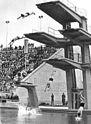 Bundesarchiv Bild 183-14859-0011, Leipzig, Schwimmstadion, Sprungturm.jpg