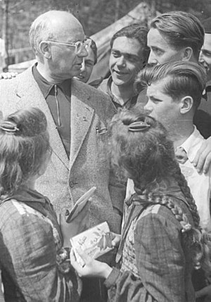 Johannes R. Becher - Becher in Berlin, 1951
