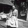 COLLECTIE TROPENMUSEUM Portret van een Balinese man TMnr 60030134.jpg