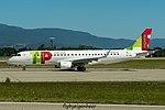 CS-TPR Embraer ERJ 190 E190 - TAP-express (29110776772).jpg