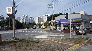 CU Gyeryong Yangjeong Intersection branch and Yangjeong Intracity and Intercity Bus Stop (73-280, 73-300).jpg