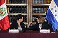 Cancilleres del Perú y Honduras acuerdan suprimir visas de turismo en el marco de Visita Oficial (10875020434).jpg