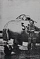 Capitaine Elisabeth Boselli devant son DH-100 Vampire.jpg