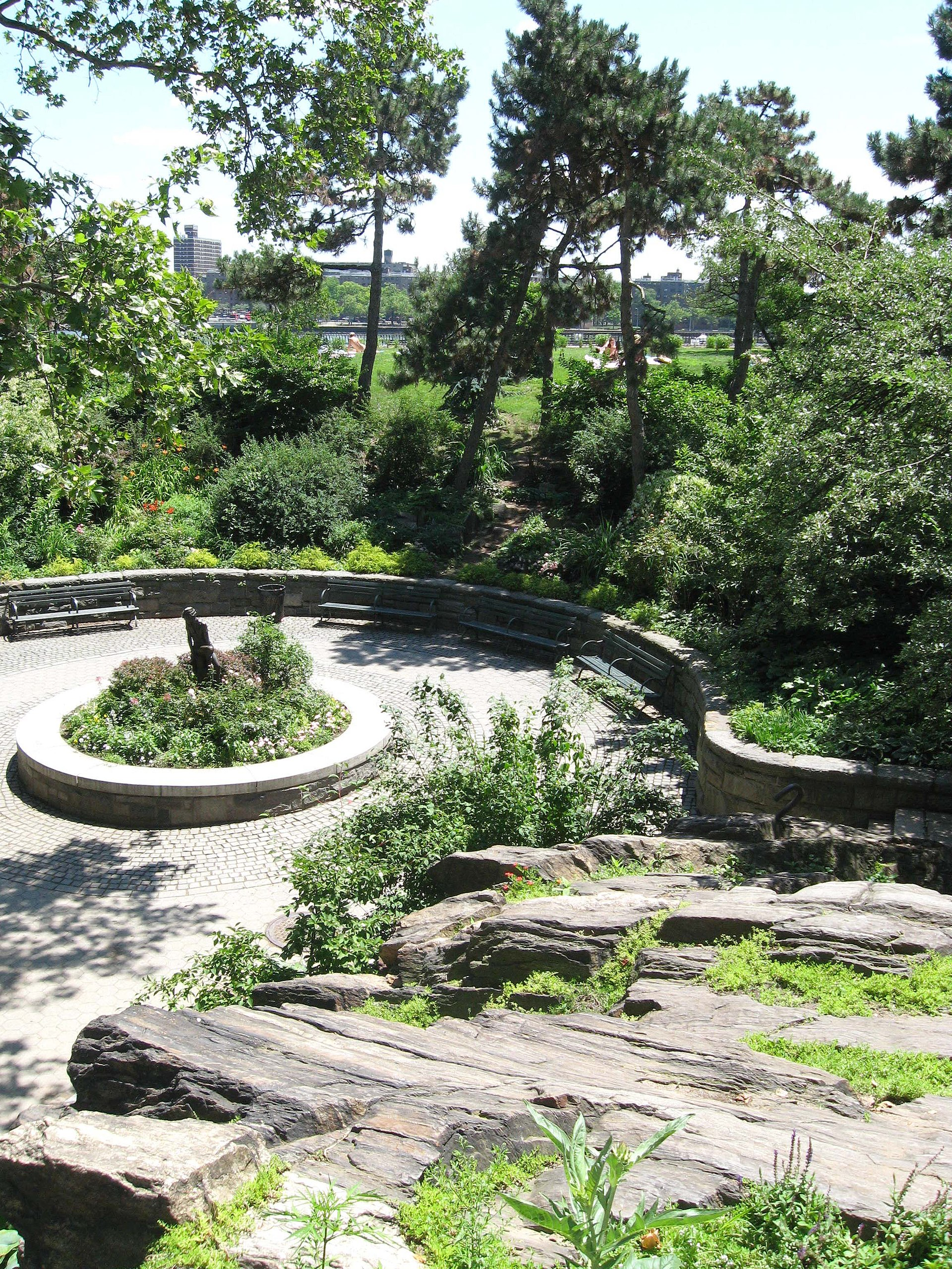carl schurz park plaza statue wikipedia peter parks nyc york pan clean deserves apology shoe spaces river ny east patron