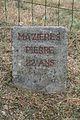 Castanet-le-Haut memorial stele 3.JPG