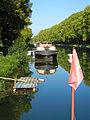 Castets-en-Dorthe, Gironde, quai sur le canal latéral à la Garonne.JPG