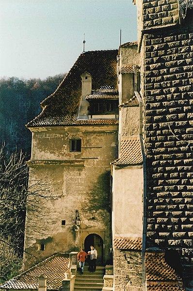File:Castle Bran 01.jpg