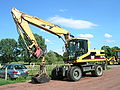 Caterpillar 318 vorne.jpg