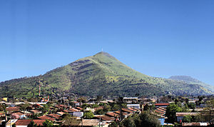 Cerro Renca - The hill as seen from Costanera Norte