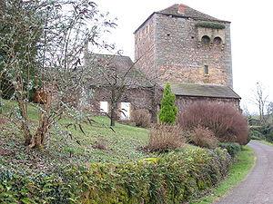 Château de Dyo - La tour-porche