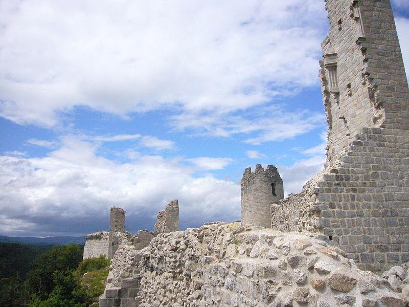 File:Château de Ventadour.JPG