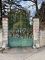 Chalet Joliette (Beynost) - grille du parc.jpg