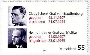 Claus Schenk Graf von Stauffenberg - Helmuth James Graf von Moltke.jpg