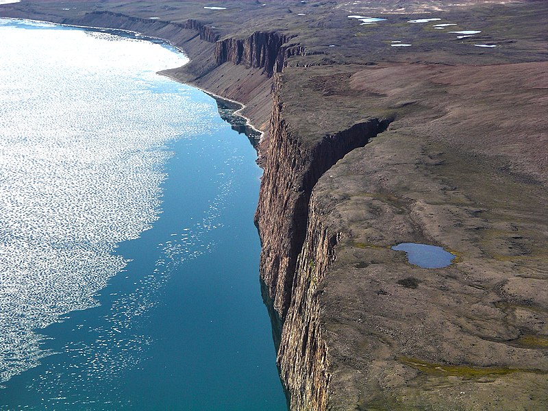 File:Cliffs near Arctic Bay.jpg
