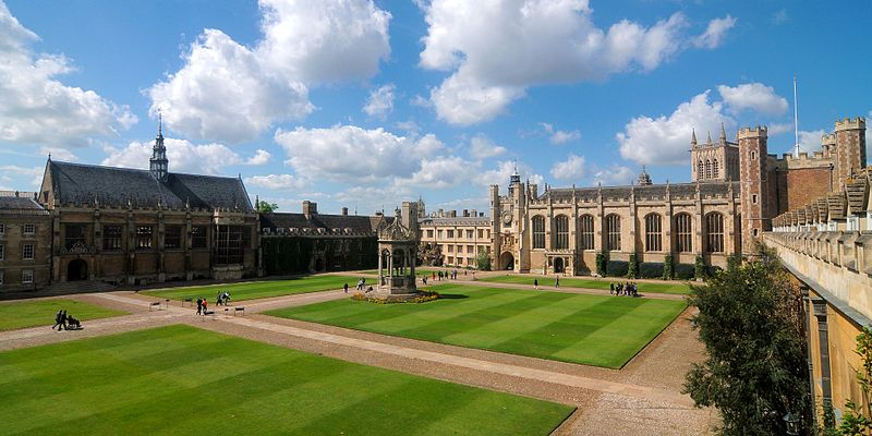 Great Court, with (from left to right) the dining hall, Master's Lodge, fountain, clock tower, chapel and Great Gate Cmglee Cambridge Trinity College Great Court.jpg