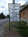 CoA and directional sign, Gödöllői Road, 2020 Mogyoród.jpg