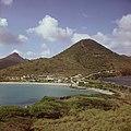 Collectie Nationaal Museum van Wereldculturen TM-20017493 Gezicht op het Little Bay Hotel Sint Maarten Boy Lawson (Fotograaf).jpg