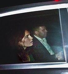 Amanda Knox lascia il carcere di Perugia su un'auto insieme a Corrado Maria Daclon, segretario generale della Fondazione Italia USA