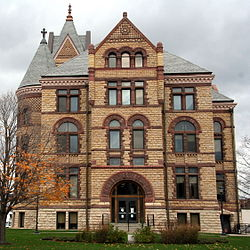CourthouseWinonaMN.JPG