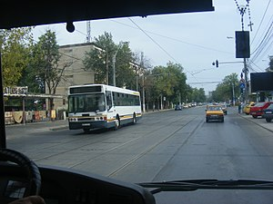 Giulești - A view of Giulesti Ave. at the Constructorilor boulevard start.