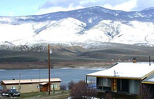 Heeney, Colorado - Homes along the west side of Green Mountain Reservoir in Heeney