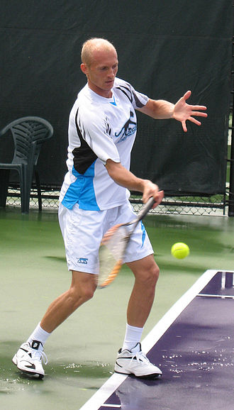 Nikolay Davydenko - Nikolay Davydenko practicing at the 2007 Miami Masters.