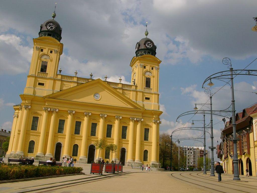 Debrecen dating