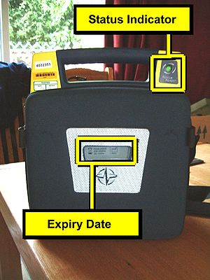 Automated external defibrillator - The use of easily visible status indicator and pad expiration date on a Cardiac Science G3 AED