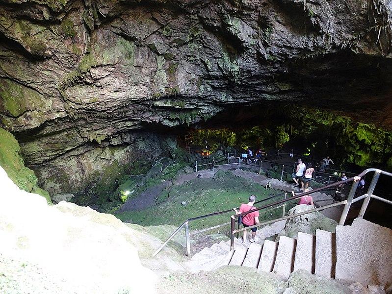 File:Diktäische Grotte 03.jpg