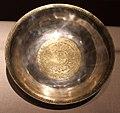 Dinastia tang, bacinella con medaglioni dorati, in argento, 850 dc ca.jpg