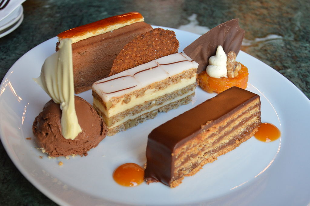 Gateaux du café Gerbaud à budapest - photo de Illustratedjc