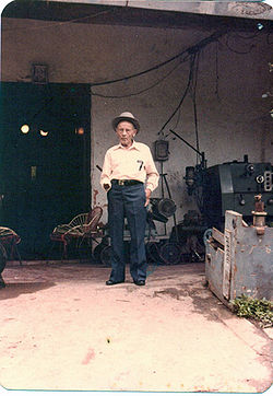 Don Luis Zambrano 8vapromounet.jpg