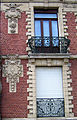 Doullens façade 1908 (pierre, brique et fer forgé) 1a.jpg